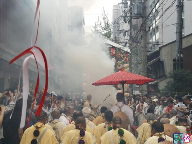きょうの祇園祭(宵山最終日、護摩焚@役行者山)