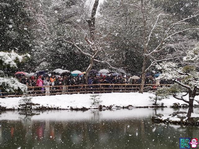雪の金閣。